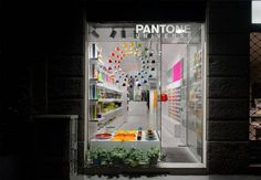 iDesignMe-Pantone Store Milano_1 http://idesignme.eu/2013/09/pantone-concept-store-milano/ #pantone #house #life #home #decor #colors #color #milan