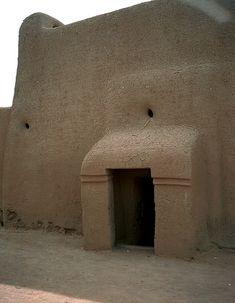 Djenne, Mali - Mud architecture | by Dogon-lobi photography.