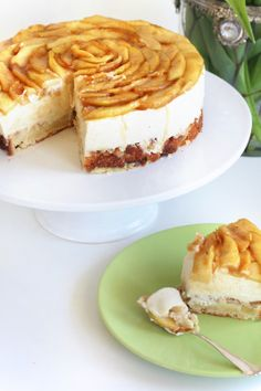 Unelmaa leipomassa: OMENA-VANILJAJUUSTOKAKKU Paleo Recipes Easy, Pie Recipes, Dessert Recipes, Desserts, Finnish Recipes, Piece Of Cakes, Something Sweet, Yummy Cakes, No Bake Cake