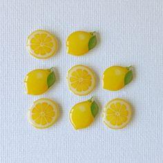 Lemon Earrings, available ~ Mary Wald's Place - レモンのピアス Plastic Art, Shrink Plastic, Plastic Sheets, Shrink Paper, Shrink Art, Uv Resin, Resin Art, Kawaii Gifts, Cute Polymer Clay