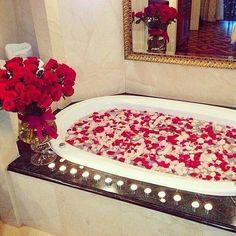 Imagem de rose, love, and flowers