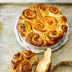 Rezept von Christian Hümbs: Hefeschnecken mit Nussfüllung Homemade Cakes, Cakes And More, Apple Pie, Muffins, Food Porn, Snacks, Recipes, Fancy, Sweet Desserts