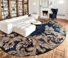 🇮🇹Made in Italy. Order NOW: 📞+971 58 808 45 25 superbiadomus@gmail.com Delivery worldwide✈️🌍 Rug Design, Rugs On Carpet, Carpet Design, Patchwork Rugs, Custom Design, Persian Rug, Wall, Home Decor, Wall Patterns