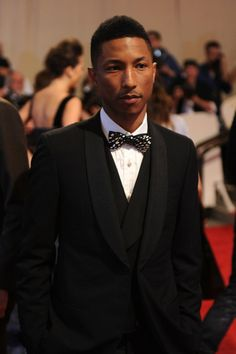 Pharell there is noooo way this guy is 40. he is such a BEAUTIFUL HUMAN BEING!!!!