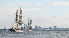 Tallinnan meripäiviin liittyen on tarjolla merenkulkuun ja satamiin liittyviä tapahtumia, konferensseja matkailu- ja merenkulkualan ammattilaisille, tutustumista suuriin purjealuksiin, konsertteja, veneajeluita, purjehduskilpailuja sekä monenlaista muuta merellistä viihdettä koko perheelle.