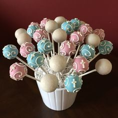 First Communion Cake Pops Más