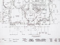 Inside Marta Kauffman's 'Grace and Frankie' Office – Variety Beach House Floor Plans, House Plans, House Map, Corner Office, House Blueprints, King Size Pillow Shams, House Rooms, The Hamptons, Arquitetura