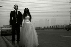 Couple-Poses-With-Gas-Masks-In-China-6
