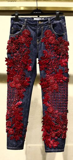 Go all out with fully embroidered jeans this spring. Let Daily Dress Me help you. - - Go all out with fully embroidered jeans this spring. Let Daily Dress Me help you. Embellished Jeans, Embroidered Jeans, Fashion Details, Fashion Design, Fashion Trends, Daily Dress Me, Estilo Denim, Mode Glamour, Mode Jeans
