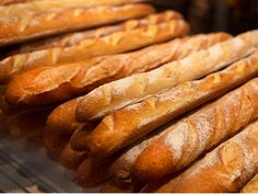 Pan Baguette Receta, Stained Glass Ornaments, Mexican Cooking, Pan Bread, Moist Cakes, Marzipan, How To Make Bread, Tostadas, Hot Dog Buns