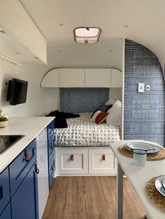 caravan design 55872851613346984 - Dwell – Before & After: A 1966 Airstream Gets Road-Ready For a Single Mom and Her Son Source by Airstream Remodel, Airstream Renovation, Airstream Interior, Campervan Interior, Airstream Trailers, Travel Trailers, Caravan Interior Makeover, Rv Living, Tiny Living