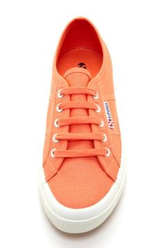 peach superga - The color! Best Flats, Classic Sneakers, Casual Chic Style, Crazy Shoes, Peach Colors, Superga Cotu, Superga Sneakers, Cute Shoes, Sneakers Fashion