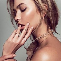 """@swarovski: """"Channel your inner stylist, take a cue from @karliekloss and wear the Crystaldust Bracelet as a choker. #Bebrilliant; discover a Crystaldust Collection made for personal twists: http://www.swarovski.com/thecrystaldustcollection"""""""