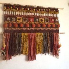 Telar mural decorativo  hecho con lana naturales chilenas por María Cristina mMarezco