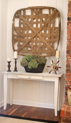 Love this vignette with the tobacco basket. Need to get around to hanging mine!