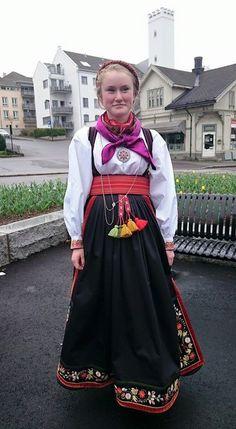 Folk Costume, Costumes, Summer Outfits Women, Amazing People, Oslo, Norway, Scandinavian, Ethnic, Street Style