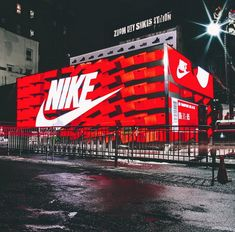 Hollywood- Nike Shoebox Pop-Up store arriving!