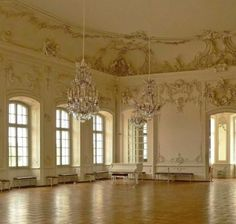 This reminds of a ballroom we saw when touring a antebellum home down in Natchez MS. Some day it would be a dream come true for David and I to have our own ballroom. Beautiful Architecture, Art And Architecture, Architecture Details, Classical Architecture, Antebellum Homes, Plantation Homes, Victorian Homes, Victorian Interiors, Interior Exterior