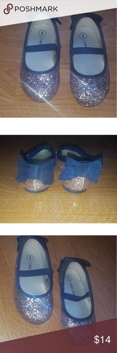 💋 glitter ballet toddler flats Adorable sparkle glitter ballet flats with navy bow. Good condition, worn twice. 💋10% off 2 items 💋smoke free closet 💋make offer using the offer button, not in comment section 💋shipping 1-3 business days Shoes