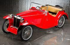 MG TC Midget 1945 - voiture à pédales échelle ½ - source Heritage Auctions.