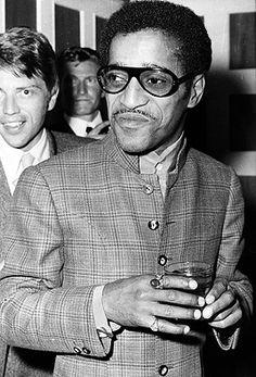 Sammy Davis Jr. wearing the Nehru jacket.