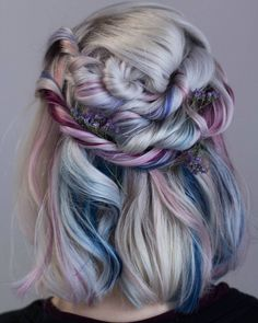 This post contains the cutest crazy hair color ideas. These ideas will help you achieve an exceptionally beautiful look. Chic Hairstyles, Pretty Hairstyles, Braided Hairstyles, Fairy Hairstyles, Ombré Hair, Dye My Hair, Blonde Hair, Hair Dye Colors, Cool Hair Color