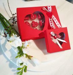 Valentinstag bei Venustis - wenn Sie das Besondere lieben! Geschenke für dein/n Liebste/n aus feinstem Edelkakao und Laaser Marmor- beides natürlich mit Liebe von Hand gemacht! Kakao, Gift Wrapping, Gifts, Hand Made, Marble, Childhood, Valentines Day, Chocolate, Handarbeit