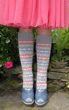 A Study in Scraps: Fair Isle Knitting, Knitting Socks, Hand Knitting, Knitting Patterns, Knit Socks, Yarn Inspiration, Knitting Videos, Knitting Accessories, Crochet Designs