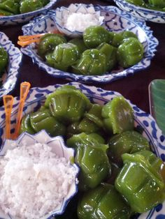 Fruit Recipes, Asian Recipes, Dessert Recipes, Cooking Recipes, Ethnic Recipes, Indonesian Desserts, Asian Desserts, Tasty Thai, Asian Cake