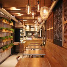 Simple cafe decor ideas best coffee shop interior design on fabulous Concept Restaurant, Small Restaurant Design, Deco Restaurant, Restaurant Interior Design, Modern Restaurant, Restaurant Ideas, Design Blog, Café Design, Design Ideas