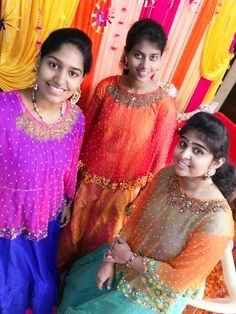 #capetopfashion #friendstogether #coloursforourchoice #cape #fashion #trendy #freshlook #weddingseason #newstyles #newway #mehandifunction #bestlook