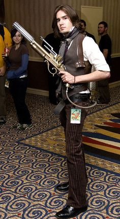 2259030827_fe10a3ab43_z.jpg?zz=1 | Crystaline : Steampunk Fashion Archives #provestra