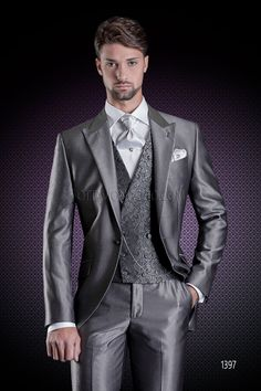 Grey wedding suit for groom with dark grey jacquard double-breasted vest