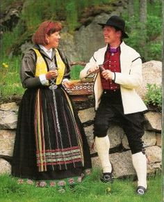 My maternal relatives are from Luster & Laerdal in the Sogn og Fjordane Norway. I am pining for my own bunad! Norwegian Style, Visit Norway, Going Out Of Business, Fantasy Costumes, Folk Costume, Traditional Dresses, Well Dressed, Luster, Folklore