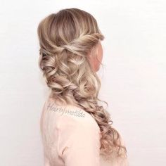 Loose Side Braid With Curls | 12 Curly Homecoming Hairstyles You Can Show Off