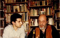 Dos grandes del misterio, dos generaciones, Moisés Garrido en la biblioteca del maestro Fernando Jiménez del Oso...