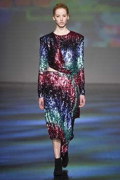 Vivienne Tam Fall 2017 Ready-to-Wear Collection Photos - Vogue