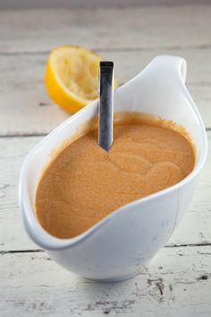 Pesto Hummus, Burritos, Starters, Food Inspiration, Dressing, Herbs, Fish, Food And Drink, Tableware