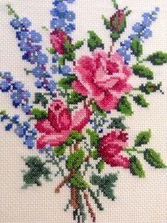 Rose Floral Needlepoint in Dark Wooden Frame di BlueRidgeRevivals