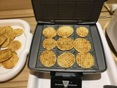 Griddle Pan, Oven, Kitchen Appliances, Cookies, Desserts, Food, Diy Kitchen Appliances, Crack Crackers, Tailgate Desserts