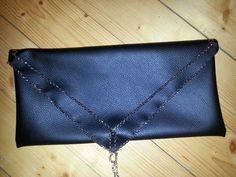 Kirjekuorilaukku