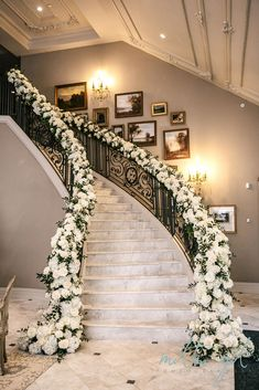 Compassionate expedited luxury wedding ideas Add to favorites - - Decoration Wedding Staircase Decoration, Wedding Stairs, Stage Decorations, Wedding Decorations, Table Decoration, Wedding Ceremony, Star Wedding, Home Wedding, Floral Wedding