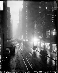 Looking east on Madison from Wells, 1922, Chicago.