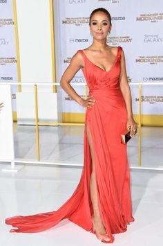 meta golding red dress hunger games mockingjay los angeles premiere 2014