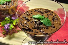 Sem ideias de sobremesa para hj ou Natal? A dica é a Mousse de Chocolate Amargo com Café! Leve, saborosa e super fácil de preparar, não tem erro!  #Receita aqui: http://www.gulosoesaudavel.com.br/2013/03/15/mousse-chocolate-amargo-cafe/