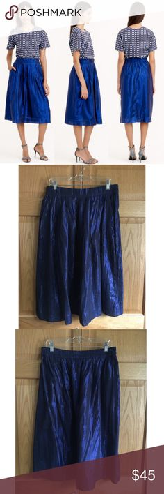 🆕NWT J.Crew Shimmer Cotton Voile Midi Skirt Amazing skirt for spring/summer! This gorgeous, floaty midi skirt made of a sparkly cotton voile fabric is what your dreams are made of. Pair with a silk cami and a denim jacket and you are good to go for sightseeing or a night out! Elastic waist. Pockets! New with tags. 🛍15% OFF BUNDLES!🛍❌NO TRADES❌NO LOWBALL OFFERS❌ J. Crew Skirts Midi