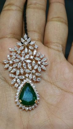Gold Earrings Designs, Gold Jewellery Design, Jhumka Designs, Necklace Designs, Pendant Set, Diamond Pendant, Diamond Jewelry, Gold Jewelry, Viria