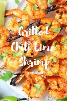 Grilled Chili Lime Shrimp with smoked paprika, chili powder, garlic, lime & hone… - Garnelen-Rezepte Grilled Shrimp Marinade, Easy Grilled Shrimp Recipes, Marinated Grilled Shrimp, Pork Rib Recipes, Grilling Recipes, Fish Recipes, Seafood Recipes, Cooking Recipes, Healthy Recipes