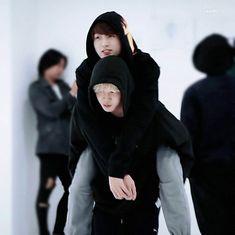 is it safe to say that jk would turn into a smol bby boy for jimin? i guess so jikook nation😪🤧🤧 Jimin Jungkook, Kim Namjoon, Bts Bangtan Boy, Jungkook Fanart, Bangtan Bomb, Jung Hoseok, Jung Kook Bts, Vmin, Foto Bts