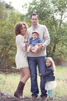 Their family is tooo cute !!